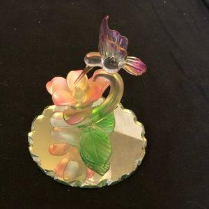 Crystal hummingbird in flight with flower figure